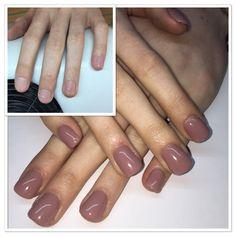 Set acrylic nails with gel polish