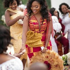 Find the latest and stylish kente styles here on african fashion and lifestyles. Get these 10 stylish kente styles and more in one glance. African Lace Dresses, Latest African Fashion Dresses, African Dresses For Women, African Print Fashion, African Wedding Attire, African Attire, Ghana Wedding Dress, African Traditional Wedding Dress, African Print Dress Designs