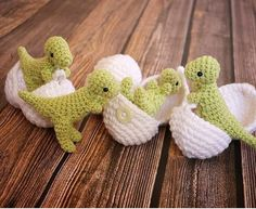 T-Rex Amigurumi Toy with Egg - Dinosaur in Egg - Dinosaur Play set - Crochet Dinosaur - Geek Gift - Dino Hatchlings - Paleontology Gifts - Knitting Pin Crochet Amigurumi, Amigurumi Patterns, Crochet Dolls, Knitting Patterns, Easter Crochet Patterns, Crochet Dinosaur Pattern Free, Amigurumi Toys, Free Pattern, Crochet Baby Toys