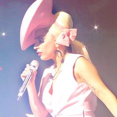 Lady Gaga, Fashion of His Love Lady Gaga Fashion, Weird Fashion, Pink Fashion, I Believe In Pink, Goddess Of Love, Famous Girls, Pop Singers, Her Music, Pretty In Pink