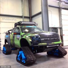 Shut up and take my money. Ford Raptor on Trax Ford Trucks, Diesel Trucks, Custom Trucks, Lifted Trucks, Pickup Trucks, Ford 4x4, Lifted Ford, Dodge Diesel, Dodge Cummins