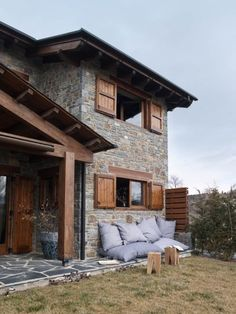 Creating a dream residence is difficult. Not just since the concept, however you additionally need to calculate the budget plan. We're below to help you make your own contemporary residence. Chalet Design, Rustic Home Design, Mediterranean Homes, Cabins And Cottages, House Entrance, Stone Houses, Home Living, My Dream Home, Future House