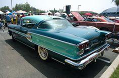 1958 Pontiac Bonneville 2-Dr HT