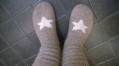 Villasukat Knitting Socks, Hand Knitting, Woolen Socks, My Favorite Things, How To Wear, Fashion, Knit Socks, Wool Socks, Moda