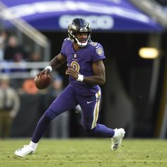 "Baltimore Ravens quarterback Lamar Jackson suffered an ankle injury during Sunday's overtime loss to the Kansas City Chiefs but told reporters he was ""good. Arena Football, Football Helmets, European Football, American Football, Lamar Jackson Wallpaper, Lamar Jackson Ravens, Best Quarterback, Soccer Players, Soccer Jerseys"