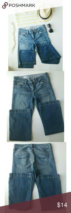 "GAP Denim Jeans Long & Lean denim jeans by GAP. Nice pairbof jeans 88% cotton 10% polyester 2% spandex. Waist 35"" Inseam 31"" GAP Jeans Flare & Wide Leg"