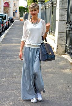 Discover and organize outfit ideas for your clothes. Decide your daily outfit with your wardrobe clothes, and discover the most inspiring personal style Modest Fashion, Fashion Outfits, Womens Fashion, Sneakers Fashion, Retro Outfits, Casual Outfits, Maxi Skirt Outfits, Midi Skirts, Casual Maxi Skirts