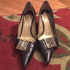 Leather Pumps, Classics Heels for Women Vintage US Size 6 Givenchy Heels, Vintage Heels, Leather Pumps, Designer Shoes, Black Gold, Going Out, Vintage Ladies, Flats, Best Deals