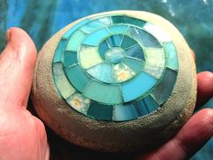 Mosaic Rocks, Rock Art, Turquoise, Tiffany Glass, Artworks, Sachets, Projects, Cave Painting, Green Turquoise