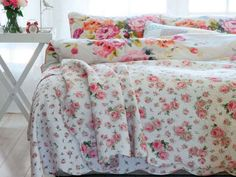 English-interior-design pretty florals