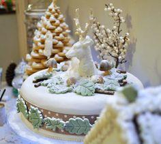 christmas desserts | Christmas cake on the Winter Woodland dessert table | Flickr - Photo ...