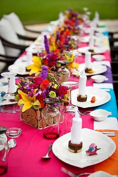 Gallery of the Day :  wedding features 9141.blue Green Orange Pink Purple Yellow F.jpg Close up of Centerpieces