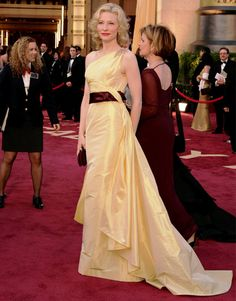 Cate Blanchett in Valentino, Oscars 2005 - my all time favourite red carpet gown!