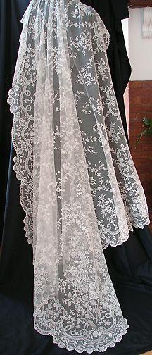 Maria Niforos - Fine Antique Lace, Linens & Textiles : Antique Lace # LA-164 Superb 19th C. Brussels Lace Wedding Veil