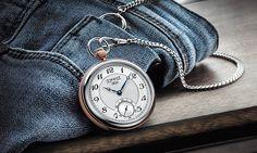 Remake Taschenuhr: Ehering und Uhr sind die einzig wahren Schmuckstücke für einen echten Mann, heißt es oft. Das damit nicht zwangsläufig immer eine Armbanduhr gemeint sein muss, beweist Tissot. Link: http://www.bold-magazine.eu/remake-taschenuhr/  #BOLDTHEMAGAZINE #Lifestyle #Swiss #Tissot #Uhren #Watches