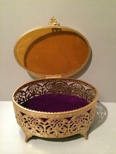 1950S Filigree Oval Vanity Jewelry Box
