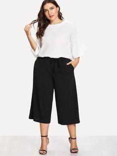 Flounce Sleeve Top & Capris Pants -SheIn(Sheinside) Curvy Fashion, Look Fashion, Plus Size Fashion, Plus Size Dresses, Plus Size Outfits, Fashion Pants, Fashion Outfits, Casual Outfits, Cute Outfits