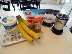 DIY smoothies, prepacking fruit and yogurt in baggies to make quick and healthy smoothies....gonna try this.