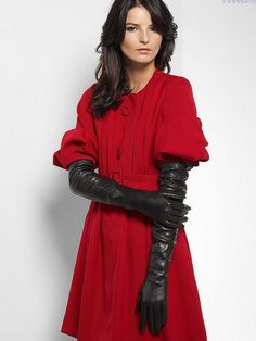 Now those are some seriously long leather gloves! Race Day Outfits, Elegant Gloves, Dress Gloves, Women's Gloves, Ladies Gloves, Gloves Fashion, Black Leather Gloves, Long Gloves, Leather Fashion