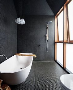 All-black bathroom! The Screen House is designed by Carter Williamson and is located in // Photo by Brett Boardman - Architecture and Home Decor - Bedroom - Bathroom - Kitchen And Living Room Interior Design Decorating Ideas - Luxury Bathtub, Bathroom Design Luxury, Bath Design, Bathroom Interior, Luxury Bathrooms, Bathroom Furniture, Contemporary Bathrooms, Contemporary Design, Black Bathroom Taps