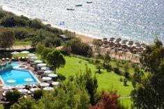 Skiathos Princess Beach Hotel in Greece has beautiful views over the Aegean Sea Princess Hotel, Greece Hotels, Skiathos, Europe Destinations, Beach Hotels, Places To Go, Dolores Park, Seasons, Island