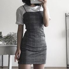 give proper bust and straps. mid-calf - Clothing - Source by grungepinbaby fashion outfits Cute Fashion, 90s Fashion, Korean Fashion, Fashion Outfits, Cute Casual Outfits, Pretty Outfits, Fall Outfits, Sixth Form Outfits, Mode Streetwear