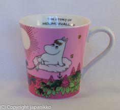 """Muumimuki """"The story of moominvalley"""" -sarja (vaaleanpunainen) Y, japanikko"""