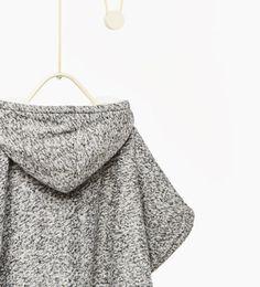 Immagine 5 di Poncho in maglia di Zara