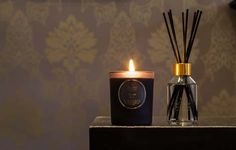 Shearer Candles Amber Noir Candles. A sumptious scent of tuberose, violets and amber. A sensual yet mysterious fragrance, it will stimulate the senses. Available as jar candles, tin candles, pillar candles, tealights, in candle gift boxes, as, scented reed diffusers, diffuser refills and pillar jar candles. Beautiful black packaging