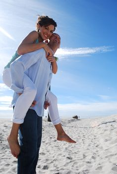 20 [Beach Based] Engagement Photos