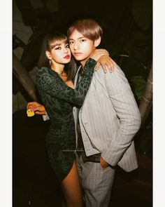 Bts Girlfriends, Bts Group Photos, Kpop Couples, Blackpink And Bts, Bts Imagine, Korean Couple, Ulzzang Couple, Blackpink Lisa, Bts Taehyung