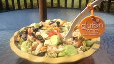 Gluten Free Pasta Salad with olives, cucumbers, tomatoes, cheese, and deliciousness. Gluten Free Grains, Gluten Free Pasta, Gluten Free Diet, Gluten Free Recipes, Dairy Free, Grain Free, Gluten Free Living, Healthy Low Carb Recipes, Main Meals