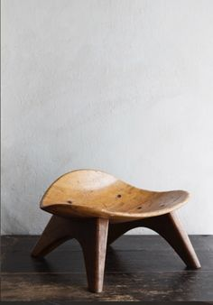 WOODEN STOOL IN THE STYLE OF JEAN PROUVÉ UNKNOWN ARTIST PRICE DKK 30.000 / €4.000 THIS PIECE IS AVAILABLE IN OUR NYC STUDIO Oliver Gustav