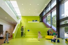 Kita Troplo-Kids der Beiersdorf AG, Hamburg-Eimsbüttel, 2014, kadawittfeldarchitektur, Aachen, Foto, Innenraum, Treppe, Auditorium