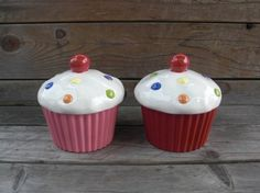 Cupcake canisters! A must-have for my cupcake kitchen :)