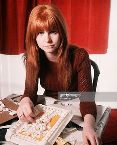 News Photo : England British actress Jane Asher Jane Asher, Sweet Lady Jane, Pattie Boyd, Blake Lively Style, Stunning Redhead, Women Of Rock, 60s And 70s Fashion, Ringo Starr, British Actresses