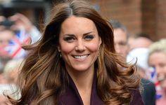 Kate Middleton distribui sorrisos em Newcastle
