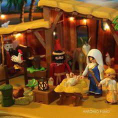 Neste 24 de dezembro de 2014, comemoro 20 anos como colecionador de Playmobil. Na foto, a montagem de peças que fiz para este Natal, comemorando os 40 anos do brinquedo mais querido do mundo. #playmobil