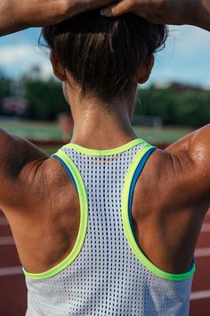 Keep cool as you bring the heat. Step up your training in the Nike Hypercool Tank.