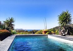 Vacation home rentals and short term house rentals in France Villas, cottages, cabins, beach house rentals, pet friendly and more. Vacation Home Rentals, House Rentals, Villa France, Modern Bungalow, Boutique Homes, Corsica, Private Pool, The Good Place, Beach House