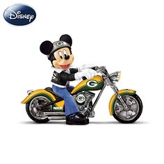 Disney Pittsburgh Steelers Headed For Victory Figurine. Mickey Mouse, Steelers, and a motorcycle! Minnie Mouse, Bolo Mickey E Minnie, Mickey Mouse Figurines, Disney Figurines, Disney Mickey Mouse, Nfl Bears, Bears Football, Chicago Bears, Cowboys Football