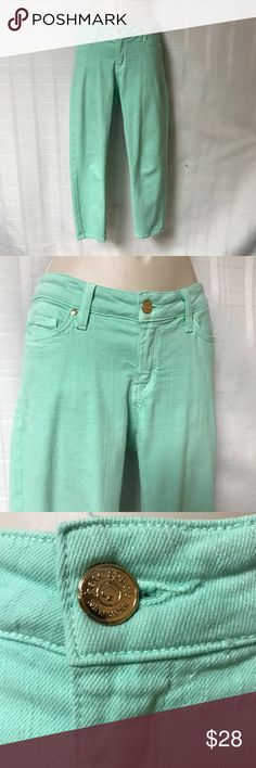 Kate Spade New York Green Jeans Size 30 Inseam 26 These jeans are so cute! They have a slim ankle and a stretchy fit. There is the signature ♠️ on the back pocket. This would look great with a black top and black boots! kate spade Jeans