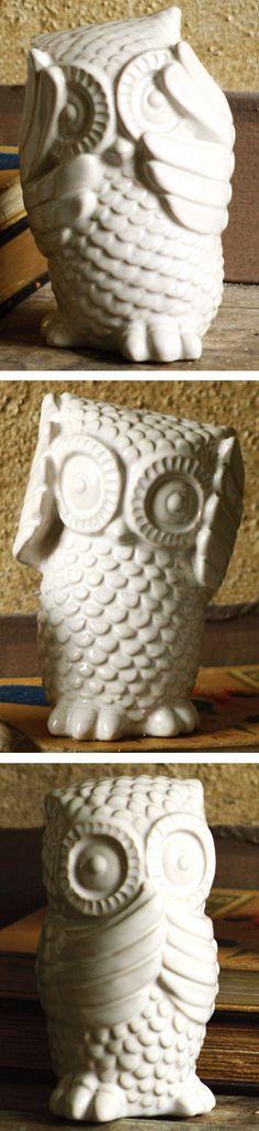 Playful Owl Statue // SO cUte!