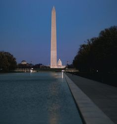 The Lincoln Memorial Reflecting Pool is an incredible DC sight as it perfectly displays the Washington Monument and Lincoln Memorial on both ends. Lincoln Memorial, Cn Tower, Washington Dc, The Incredibles, Memories, Building, Places, Pictures, Travel