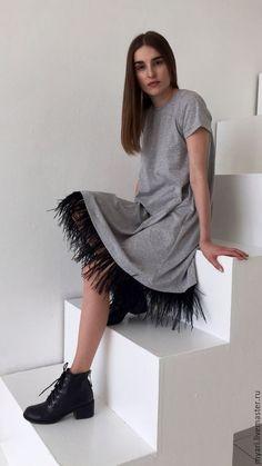 Платья ручной работы. Платье-футболка с отделкой перьями. Майя Ри (MyaRi Tailor Shop) (MyaRi). Ярмарка Мастеров. Выпускной