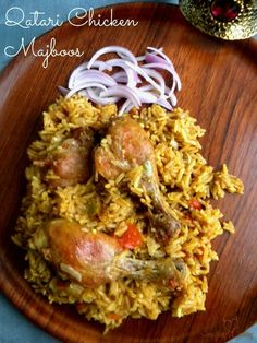 Chicken Majboos is the national dish of Bahrain and Qatar. Similar to Biriyani and Chicken Kabsa from Saudi Arabia, it is a rice dish with meat. Kabsa Recipe Chicken, Chicken Recipes, Turkey Recipes, Israeli Food, National Dish, Arabic Food, Arabic Dessert, Arabic Sweets, Kitchens