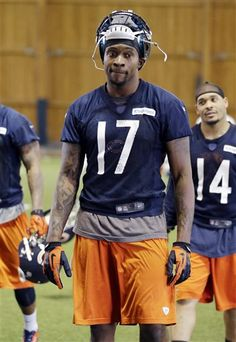 WR - #17- Chicago Bears' Alshon Jeffery walks off the field during NFL football minicamp at Halas Hall in Lake Forest, Ill., Thursday, April 18, 2013. (AP Photo/Nam Y. Huh)