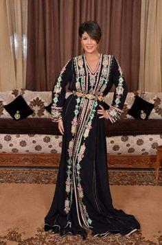 Leila Hadioui - Caftan noir en velours