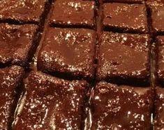 tromaktiko: Εύκολη σοκολατόπιτα, σκέτη κόλαση! Breakfast Recipes, Dessert Recipes, Desserts, Sweet Life, Recipe Box, Food And Drink, Cooking Recipes, Sweets, Chocolate