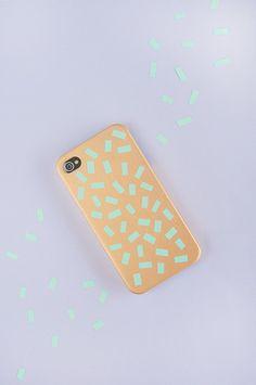 Capa de celular dourada com papel - tutorial